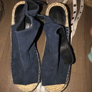 Kennith Cole blue suede wedge